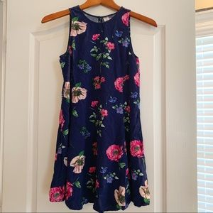 Flowy sleeveless Old Navy dress